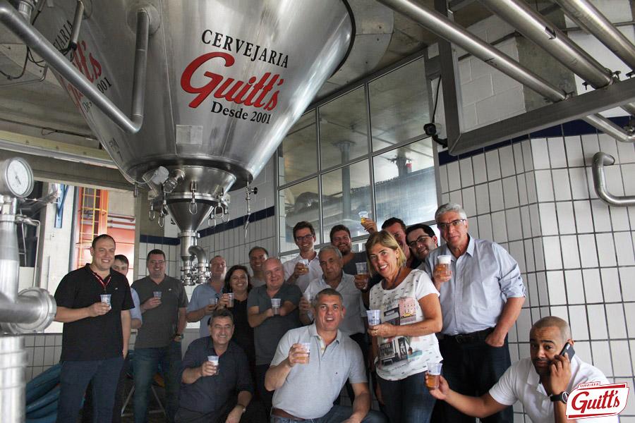 Cervejaria Guitt´s recebe visita do prefeito de Caieiras e sua equipe 1